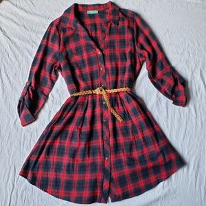 Red and navy 3/4 sleeve collared dress with button